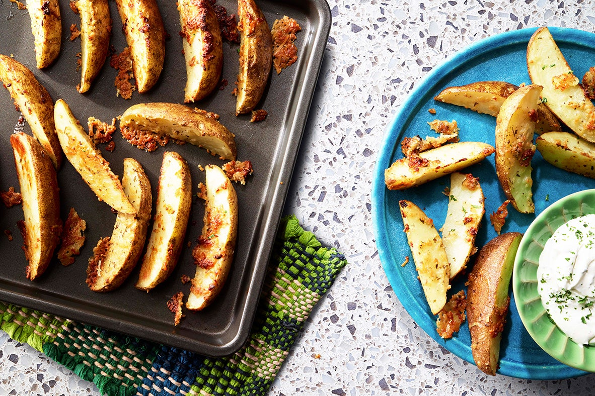 Garlic Ranch Roasted Potato Wedges