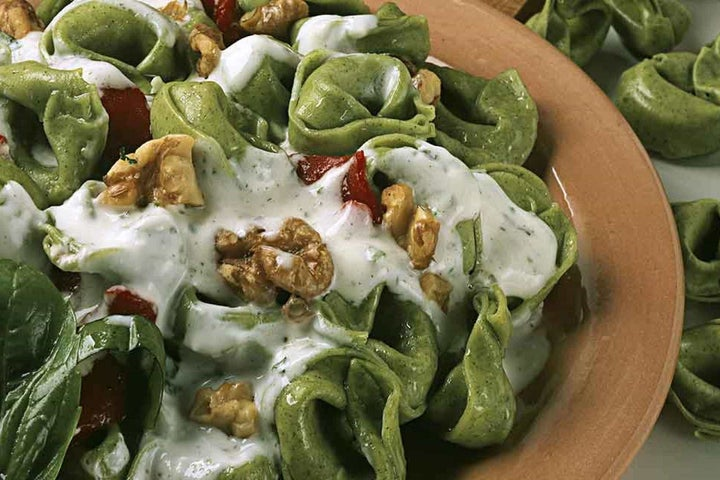 Spinach Tortellini with Roasted Red Peppers